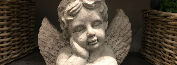 Ein Engel aus Stein.