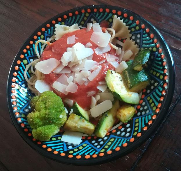 Eine vollwertige Mahlzeit ist auch ohne Fertignudeln schnell zubereitet.