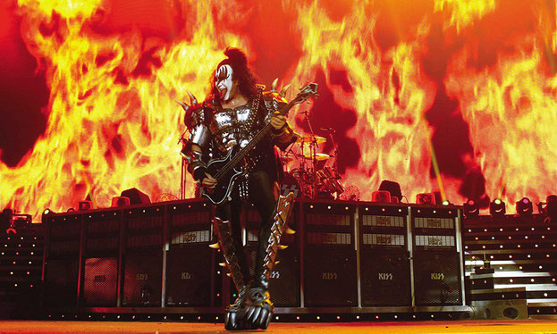 KISS Band live Gene Simmons