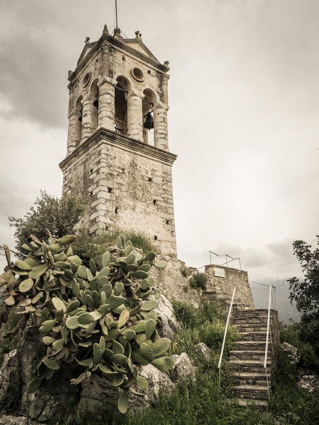 Der kleine Glockenturm in Amari