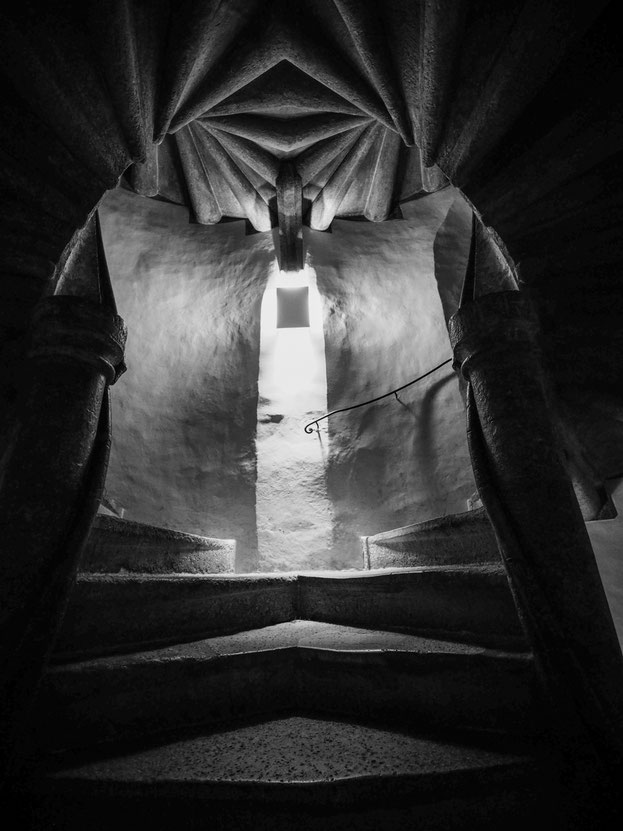 Eingang zur Doppelwendeltreppe der Grazer Burg (Nachtaufnahme)