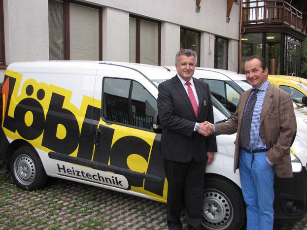 langjährige Flotten-Partner: Fahrzeugübergabe durch OPEL Beyschlag/Kandl GF Christian Melbinger höchstpersönlich