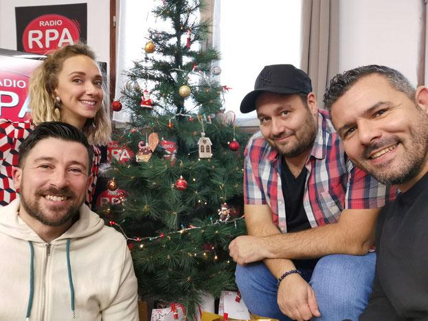 """Equipe de l'émission """"Jusqu'ici Tout va Bien"""" sur RPA - Stéfan, Chris, Bubu et Laura"""