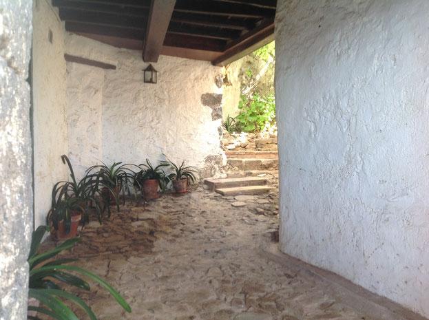 Blick in einen der Innenhöfe in El Rosario,  Casa Madera, Teneriffa Wanderurlaub