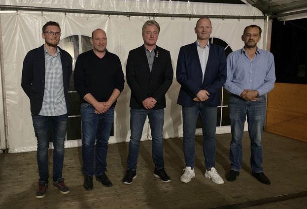VfL-Hauptvorstand (von l.): Pascal Diekmann, Kai Teuber, Thomas Rasch, Michael Thiesmann und der neue 1. Kassierer Franz Thiele. Es fehlen Beisitzerin Bernadette Brinschwitz und der 2. Geschäftsführer Michael Teitz.