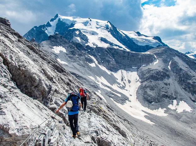 Da liegt er vor uns, der mächtigste Berg in ganz Südtirol. Erkennt ihr auch die Payerhütte links im Bild?