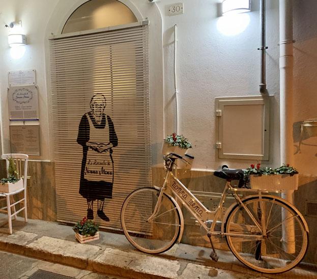 Ingresso del ristorante Da Nonna Mena, San Vito dei Normanni