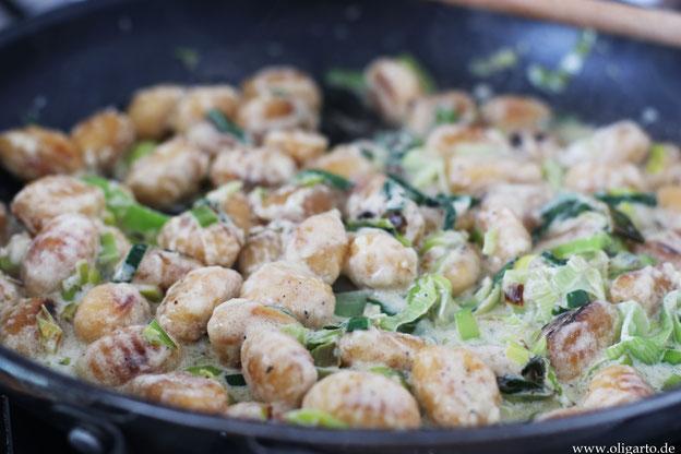 Gnocchi mit cremiger Lauchsoße Oligarto Rezepte Olivenöl