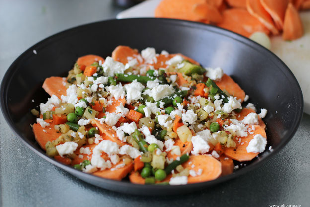 Süßkartoffel-Auflauf mit Fetakäse und Gemüse Oligarto Kochen