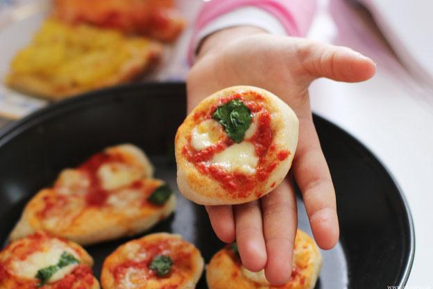 Kleinen Pizzas für Kinder Rezepte Oligarto