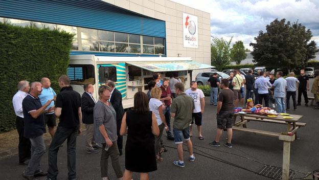 Liberty Saveurs food truck traiteur repas d'entreprise. food truck vide grenier. food truck association. Food truck Rhône. food truck boeuf bourguignon ou plats traditionnels. food truck 71 saône et loire.