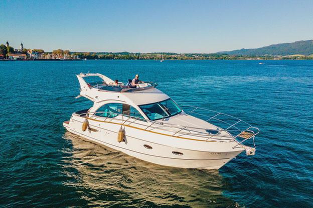 Luxusyacht Loungeboat für 2-6 Personen