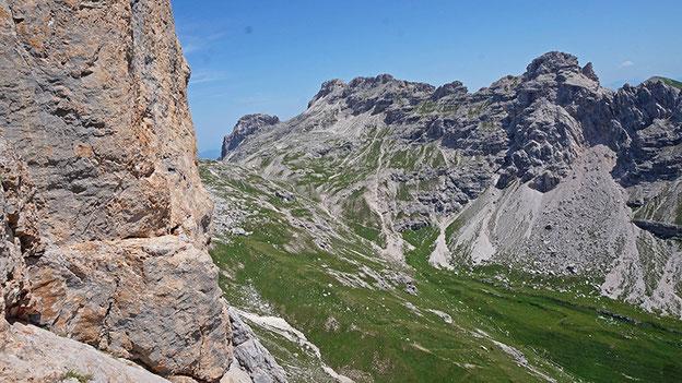 Sella del Montoz (m 2350)