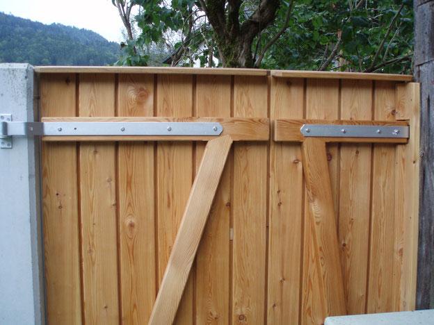 Zweiflügelige Gartentüre aus Lärche - zimmermannmäßig ausgeführt