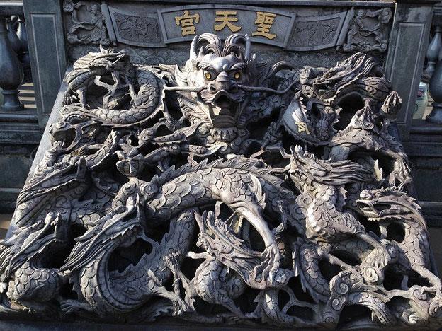 埼玉の台湾廟・聖天宮「九龍網」