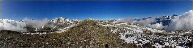 Blick zum Schneebedeckten Augstbordhorn