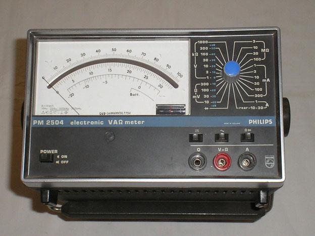 Philips Eindhoven  Elektronisches Vielfach Multimeter Typ. PB 2504