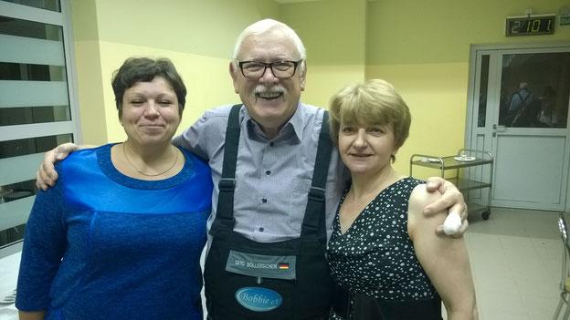 Gerd mit seinen Krankenschwestern.