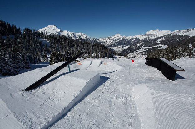 Chatel Smooth Park, rated in the top 10 snowboard parks in France