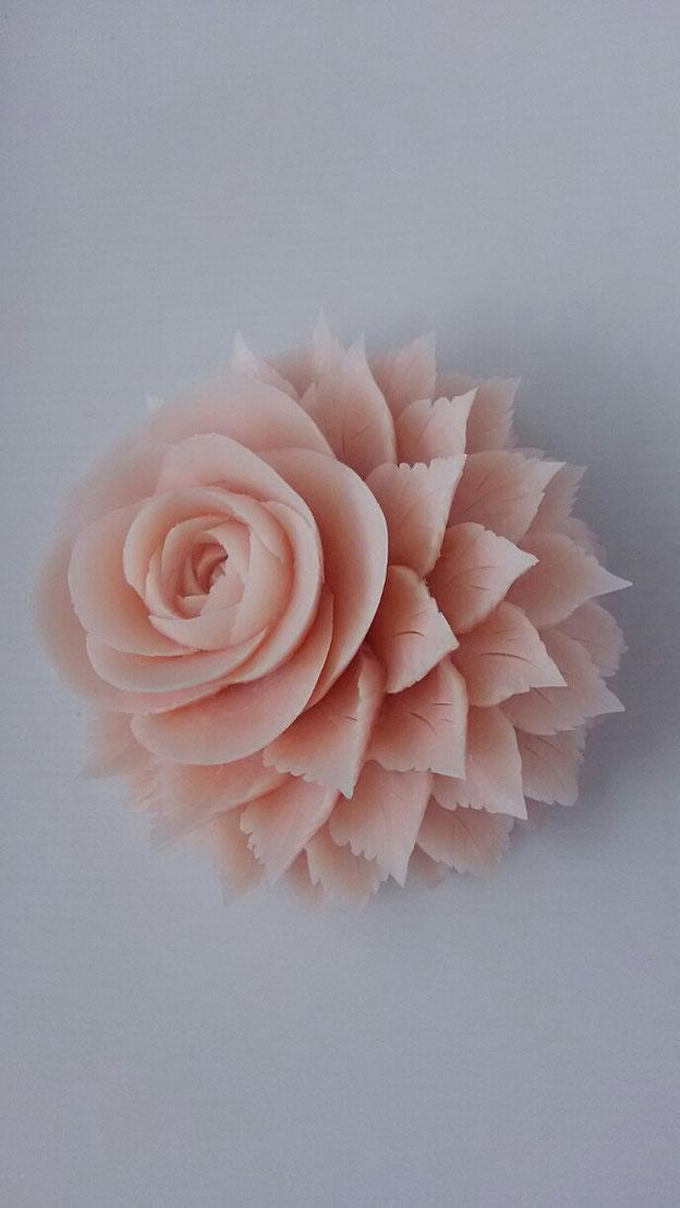 ソープカービングのバラ