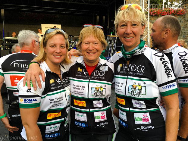 Beim Stopp in Bingen mit Annika Melhorn, Britta Unsleber - mit auf dem Bild eingefangen: Sven Ottke :-)