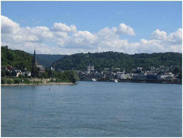 Blick auf Filsen (rechtsrheinisch) und Boppard (linksrheinisch)