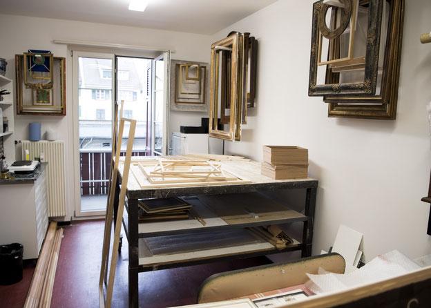 Atelier, Werkstatt, Produktion, Rohholzrahmen, Bilderrahmen