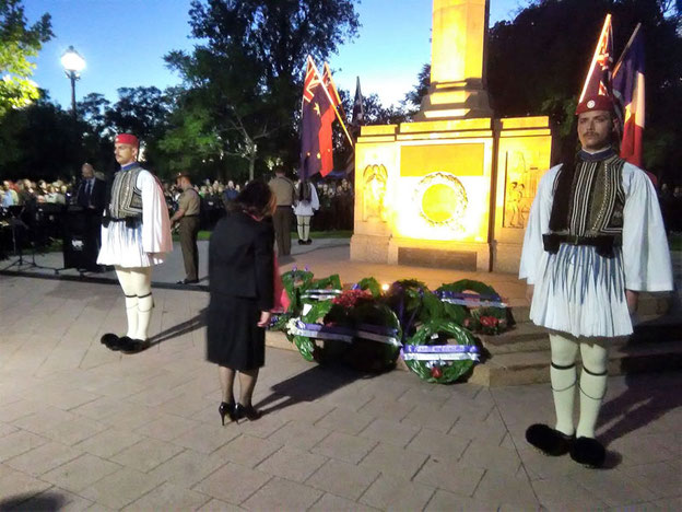 Vice President Mrs Helen Bogias laying the wreath on behalf of the Society