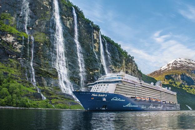 Schiffsposition & Webcam der Mein Schiff 4 // © TUI Cruises
