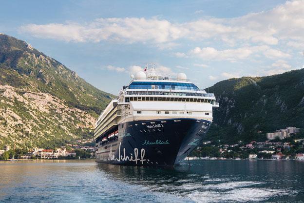 Schiffsposition & Webcam der Mein Schiff 2 (Herz) // © TUI Cruises