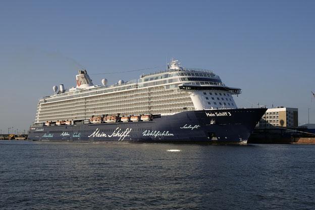 Bremerhaven-Columbuskaje-MeinSchiff-Tabak&mehr-Tabakwaren