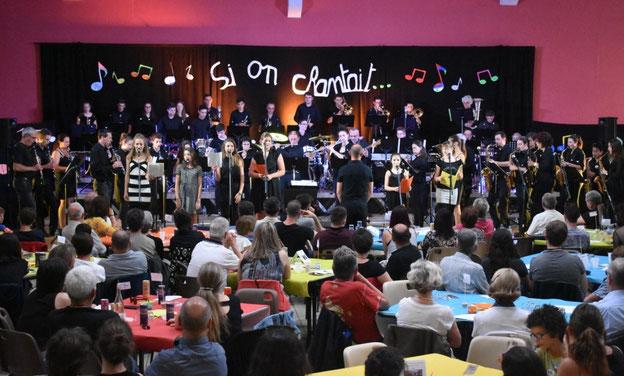 """L'orchestre d'harmonie et la chorale du collège """"le Grand Som"""""""
