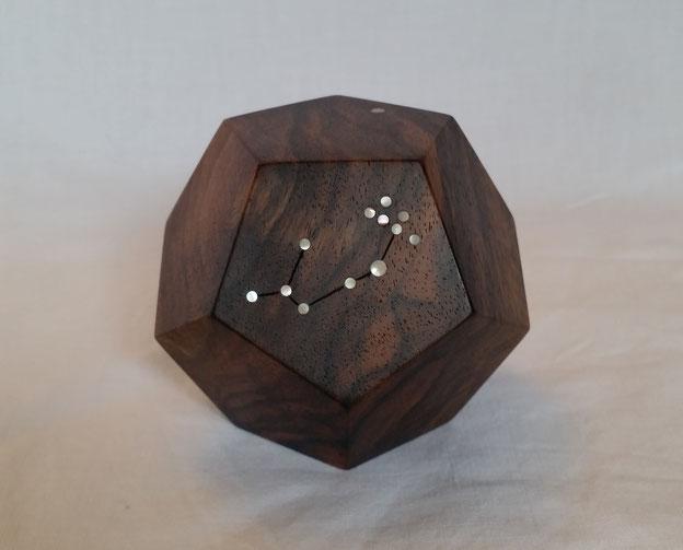 Pentagon Dodekaeder Astrologie Würfel Walnuss Holz massiv Perlmutt Sternzeichen Sternbild Tierkreiszeichen Geburtstag Geschenk