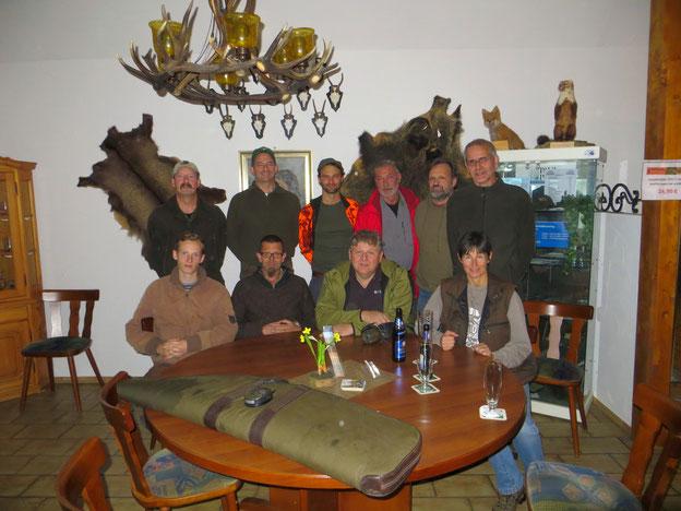 Teilnehmer des Abrichtelehrgags im Schießkino