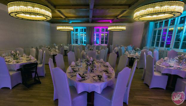 Schloss Brandis Maienfeld Hochzeit Heiraten Wedding DJ Benz