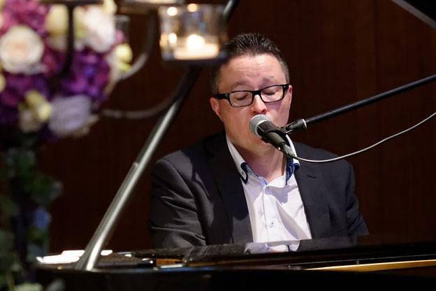 Live Musiker Hochzeit Pianist Sänger Patrick buchen