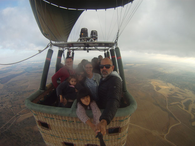 Ballonfahrer Moran Itzkovich bietet grenzübergreifende Flüge an.