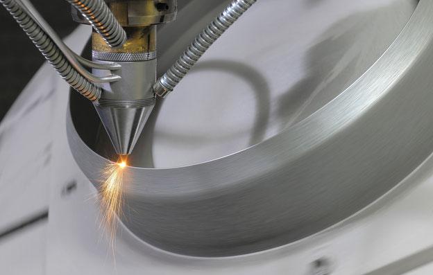 Laserauftragschweißen, englisch Laser Metal Deposition (LMD), Direct Metal Deposition (DMD) oder Direct Energy Deposition (DED)