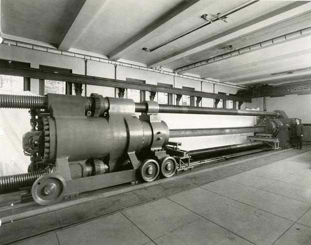 Die Emery-Prüfmaschine am US-amerikanischen National Institute of Standards and Technology (NIST), Gaithersburg, Maryland