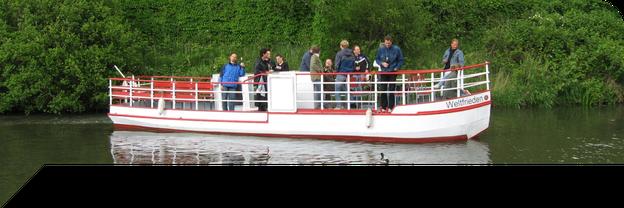 MS Weltfrieden auf dem Karl-Heine-Kanal in Leipzig