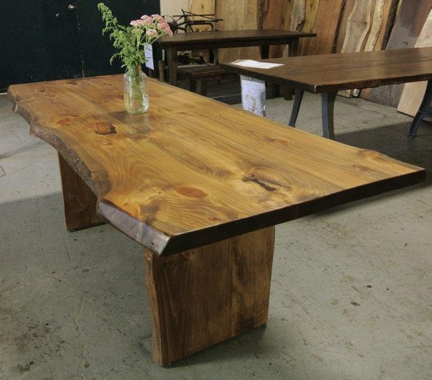 Стол стиль live edge,стол из массива,стол из слэба