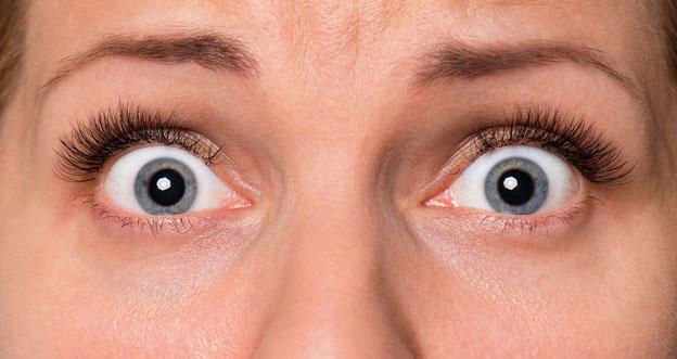 Augen, die Angst ausstrahlen