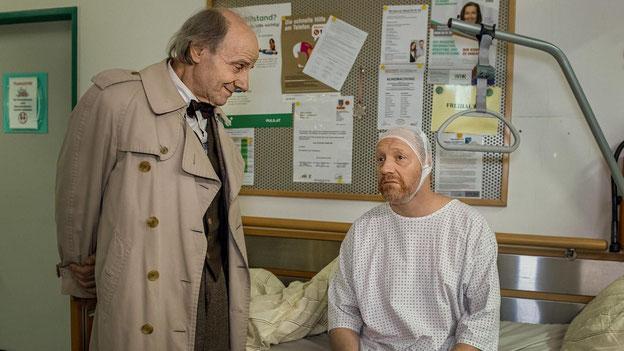 """""""Ich hab geglaubt, ich wär vielleicht in so einem Film..."""" Nikolaus Paryla und Simon Schwarz Bild: BR/ORF Allegrofilm Stefanie Leo"""