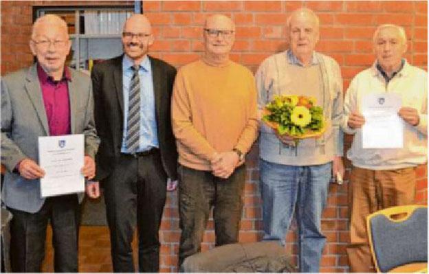 v.l.n.r.: Klaus Müller, Jörg Meyer, Gert Haushalter, Otto Kägbein, Hans Schuy;  Foto: Wochenblatt/Glitz
