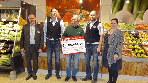 (von rechts Fr. Klüger, Hr. Wiederspahn, Hr. Gedike, Hr. Kretschmer, Hr. Clasen)  (Foto: Bürgerverein Oldenfelde e.V.)