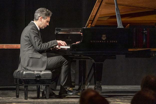 Konzert der Kulturfreunde Bayreuth: Klavierabend mit dem Pianisten Martin Stadtfeld