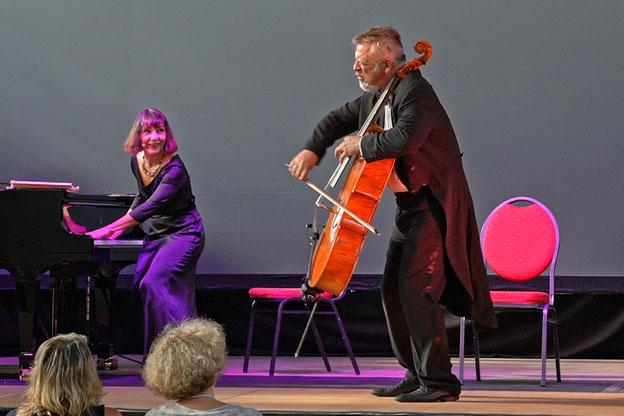 """Musica Bayreuth 2021: Nathalie Miravette und Laurent Cirade mit Duel """"Opus 3"""" in der Panzerhalle      Fotos: Harbach"""