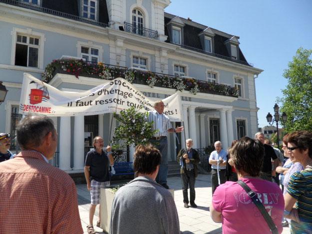 Devant la mairie de Cernay le 25 juin 2011