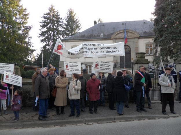 Le 22 mars 2012 devant la sous-préfecture de Thann