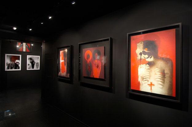 ※4:2008年に開催されたロンドンのラザライズ・ギャラリーで開催された「War paint」でのデル・ナジャの作品。